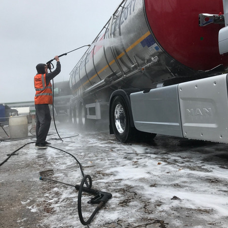 Tanker Washing